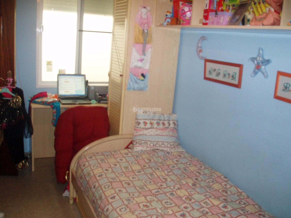 Reformar habitaci n juvenil para poner dos camas santa - Habitacion juvenil dos camas ...