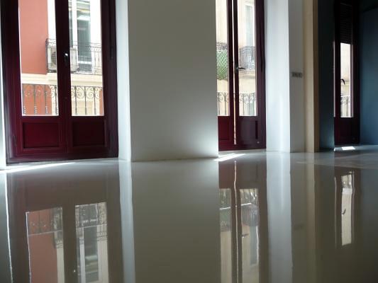 Pavimento resina epoxi para vivienda barcelona for Suelo resina epoxi vivienda
