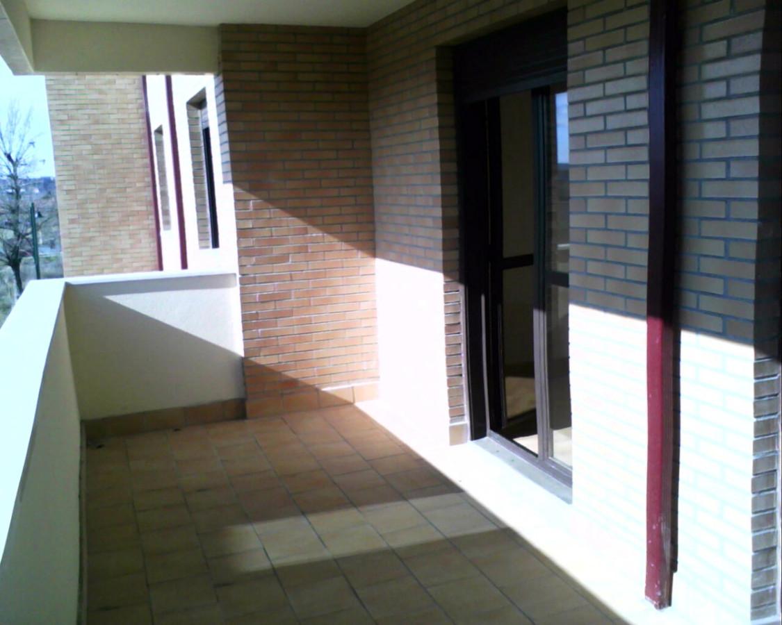 Cerrar la mitad de una terraza armunia le n habitissimo - Cerrar la terraza ...
