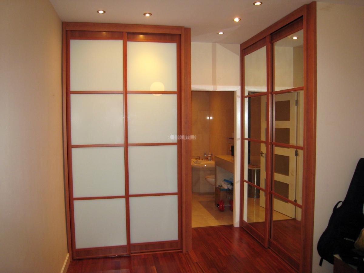 Empapelar armarios picassent valencia habitissimo for Como empapelar puertas
