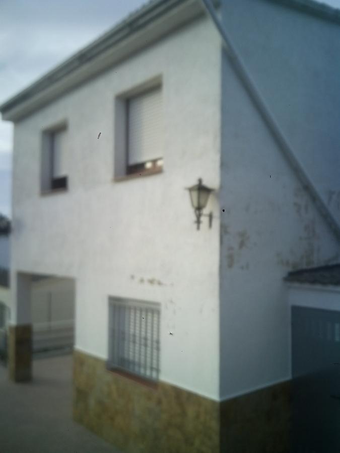 Reparar zonas de revoco en fachada casa y pintar castell de montornes la pobla de montornes - Pintar la fachada de mi casa ...