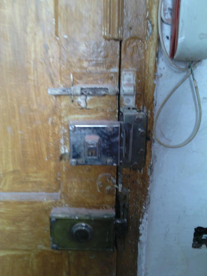 Restaurar puerta de madera eixample barcelona - Puertas madera barcelona ...