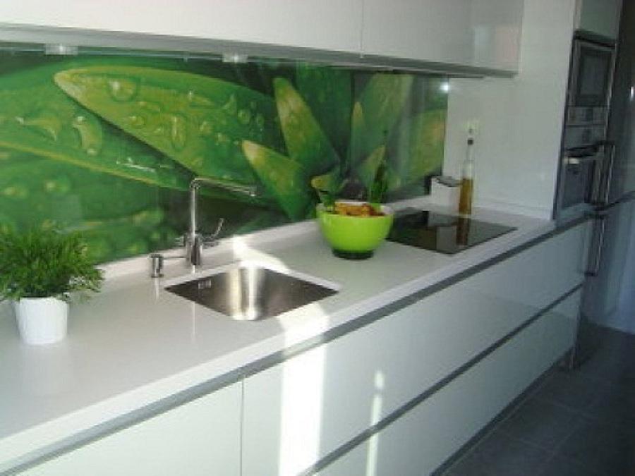 Instalar cristal decorativo frontal cocina tres cantos for Cristal templado cocina precio