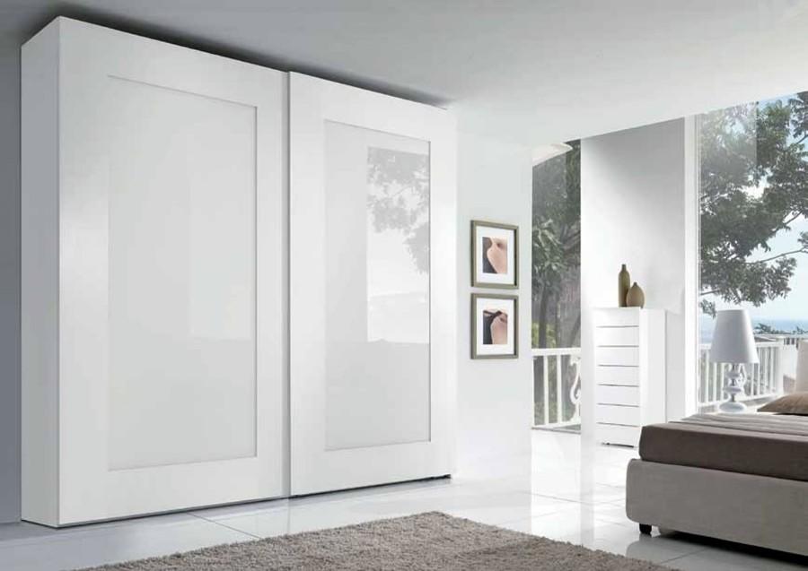 Armario a medida de puertas correderas santander for Armarios empotrados puertas correderas blanco