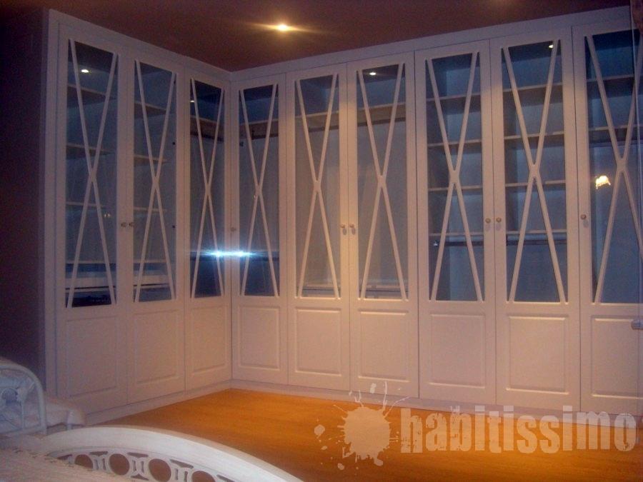 Puertas De Baño A Medida:armario-a-medida-con-9-puertas-abatibles-lacadas-blanco-roto_210947