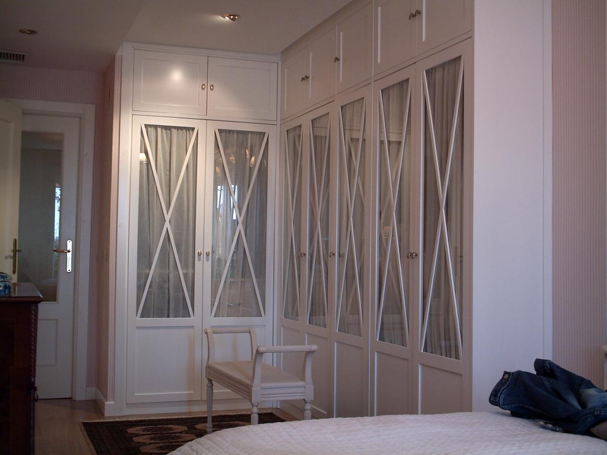 Lacar puertas de armarios pozo de guadalajara - Como forrar las puertas de un armario ...
