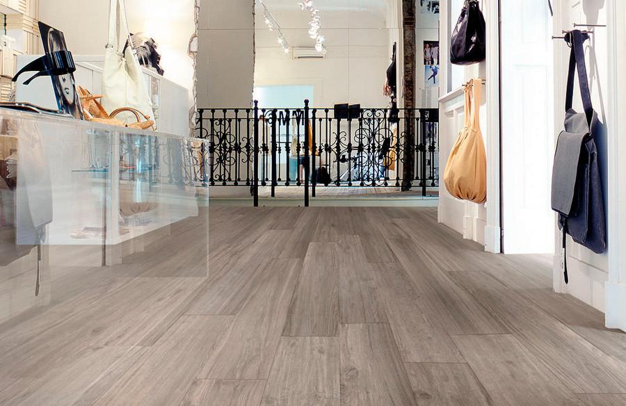 Casa residencial familiar suelo radiante barcelona solar - Suelo gres imitacion madera ...