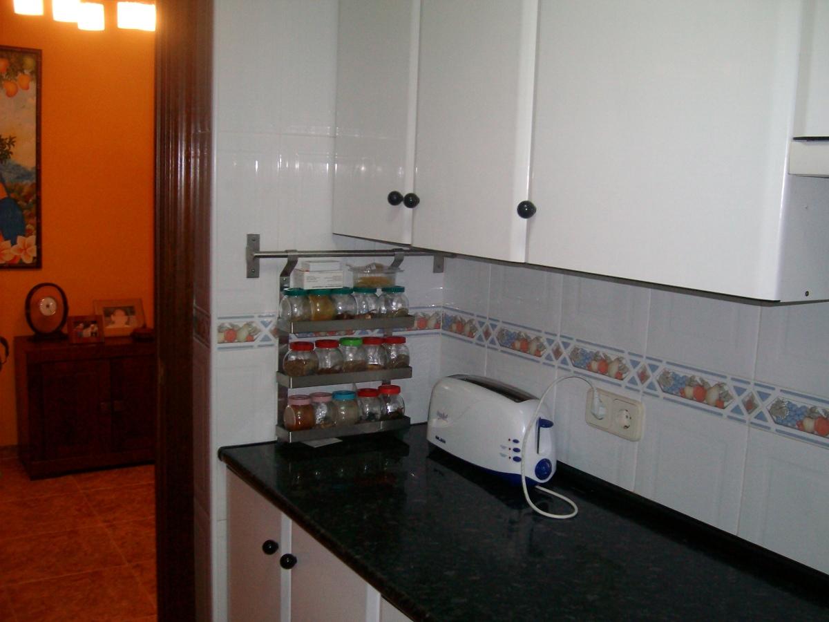 Cambiar encimera cocina cmo transformar tu cocina con - Cambiar muebles cocina ...