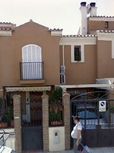 Pintar exterior adosado m laga m laga habitissimo - Presupuesto pintar casa ...