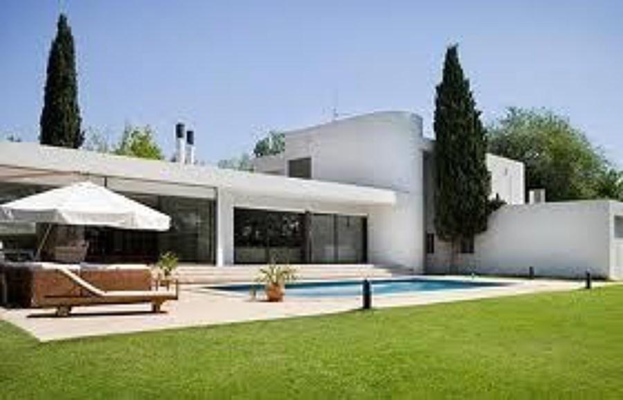 Construir una casa de 100 m2 villanueva del ariscal for Interiores de casas modernas de una planta