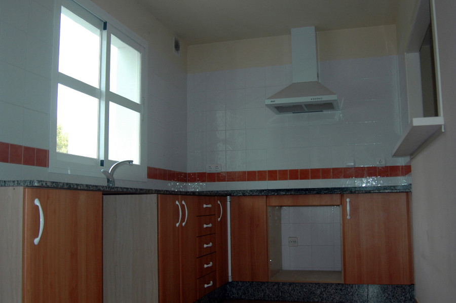 Pintar apartamento rota c diz habitissimo - Pintar cenefa cocina ...