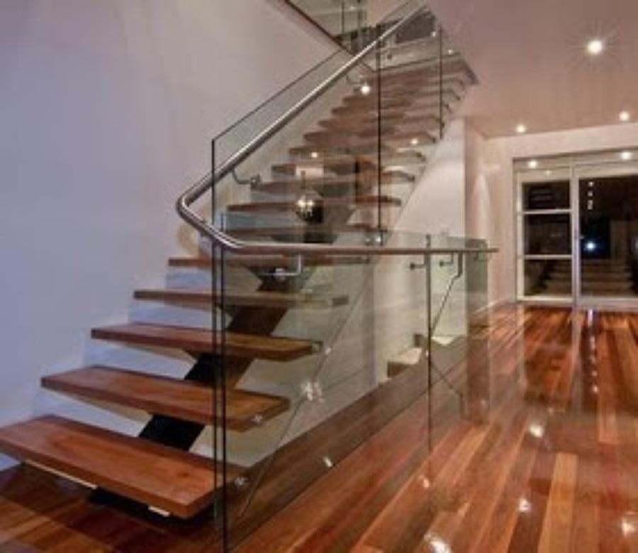 Obra nueva planta superior ourense ourense habitissimo for Casas con escaleras de madera