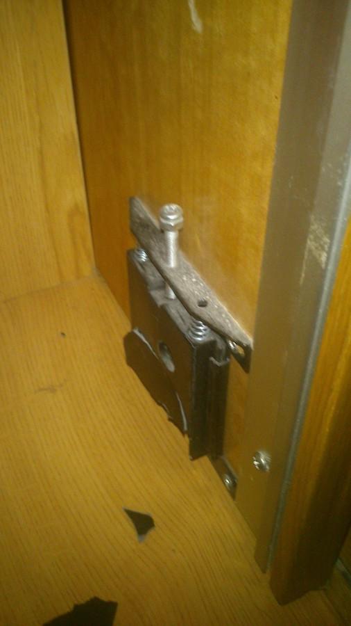 Arreglar mecanismo puerta armario empotrado conxo a - Mecanismo puerta corredera armario ...