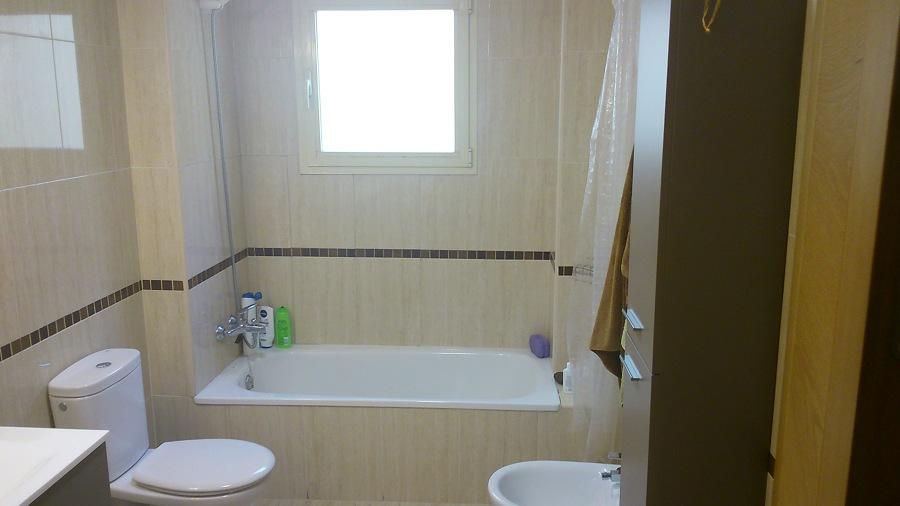 Reforma Baño Cambiar Banera Por Ducha:Precio de Reforma baño, cambiar bañera por plato de ducha y alicatar