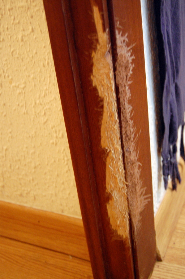 Arreglar puerta de madera esplugues de llobregat for Presupuesto puertas de madera