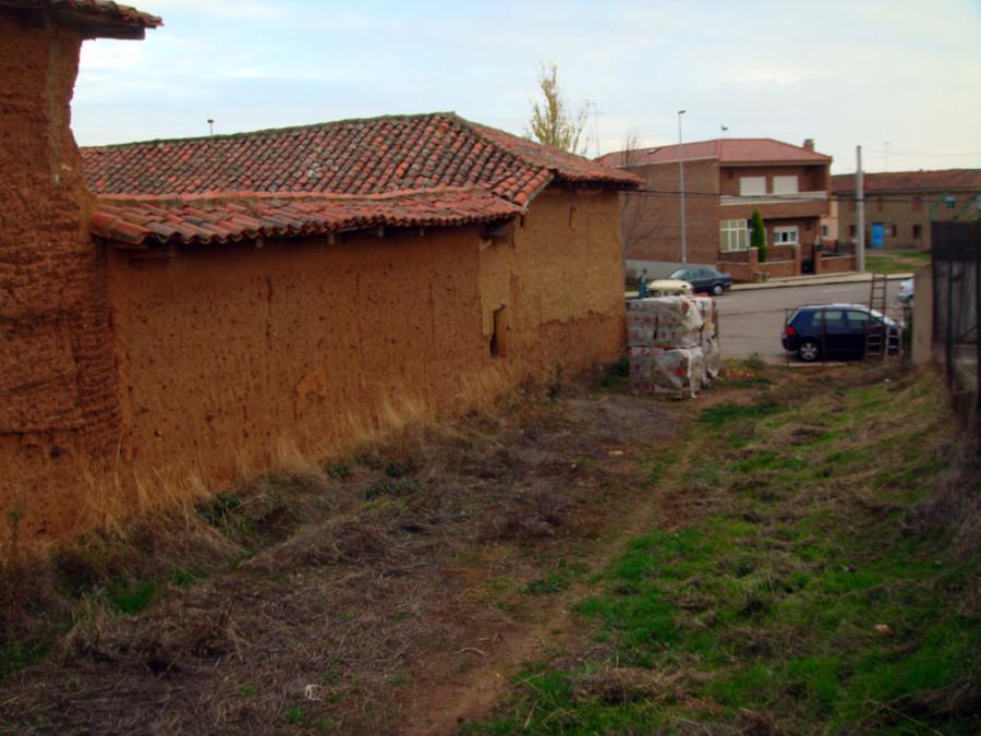 Rehabilitar casa de adobe con finca anexa la virgen del for Rehabilitar casa