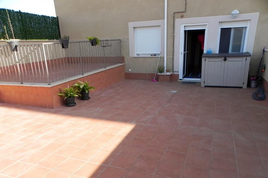 Instalar toldo retractil terraza con laterales de plastico for Presupuesto toldo terraza