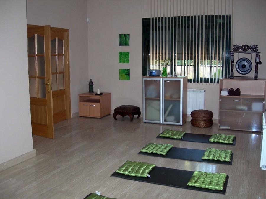 Instalar espejos en sala de pilates collado villalba for Sala 8 collado villalba