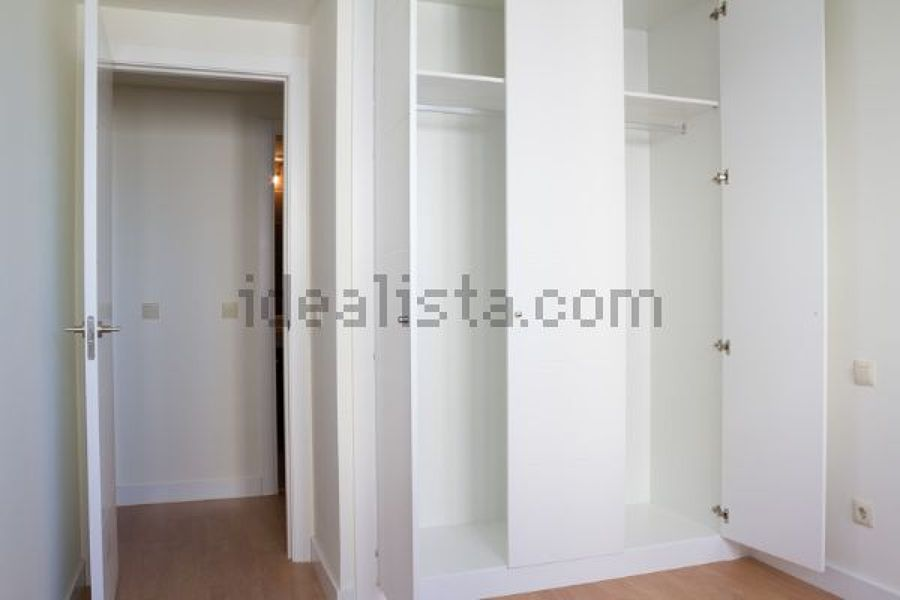 Vestir tres armarios empotrados en blanco ciudad madrid - Vestir armario empotrado ...