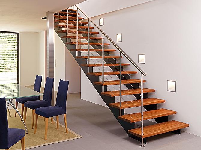 Presupuesto escalera metalica tei barcelona habitissimo for Barandillas escaleras interiores precios