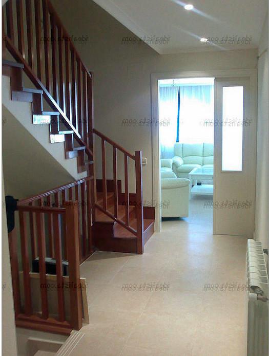 Armario debajo de escaleras paracuellos del jarama for Armarios para escaleras