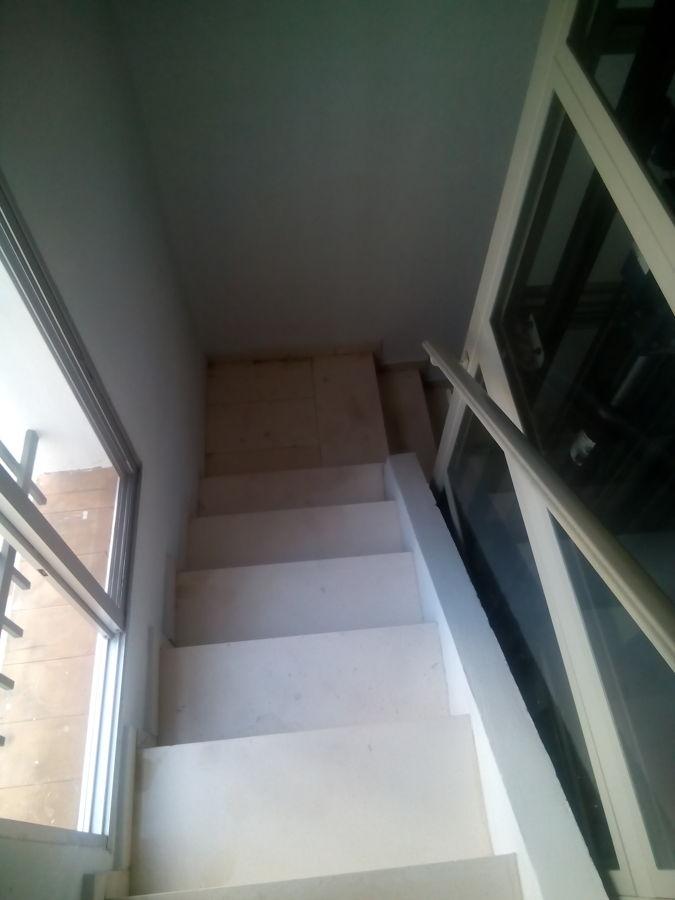 Reforma de suelo alicatado y escaleras en un bloque de for Precio m2 alicatado