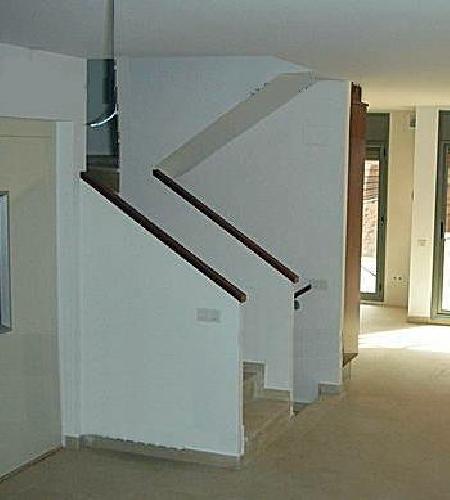 Hacer escalera enconfrada interior lli d 39 amunt for Construir escalera interior