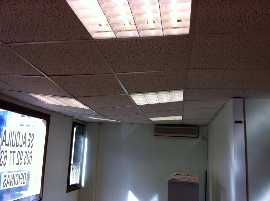 Recolocaci n de falso techo descolgado pamplona iru a - Falso techo modular ...