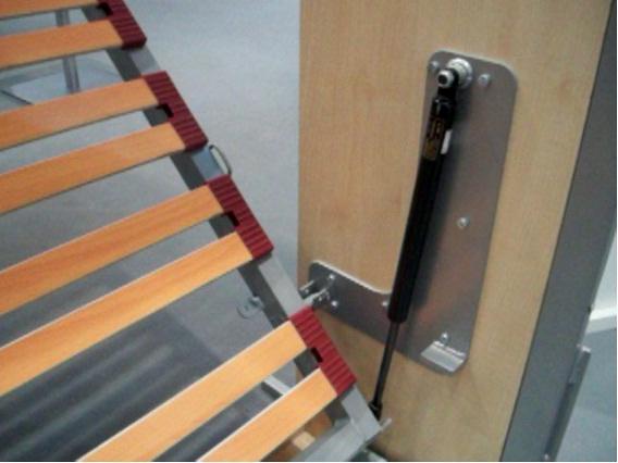 Hacer herrajes laterales de una cama abatible horizontal - Como hacer una mesa abatible ...