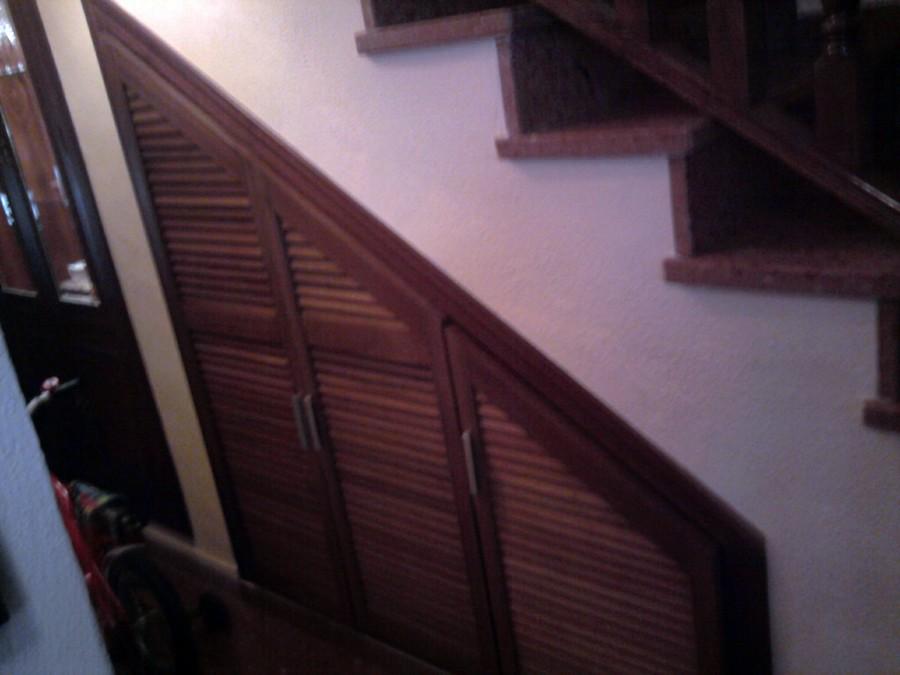 Decoracion mueble sofa puertas en escaleras for Bauhaus madera a medida