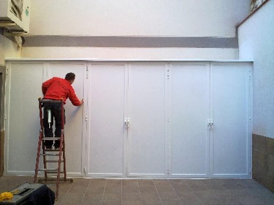 Instalar armario de aluminio blanco exterior hermetico for Precio armario aluminio terraza
