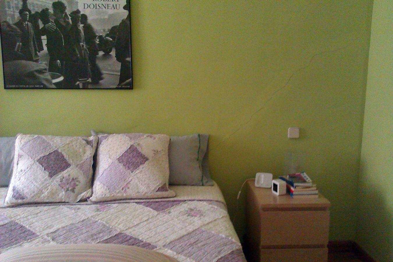 Pintar o recubrir pared dormitorio cabecero polipiel - Pintar pared dormitorio ...