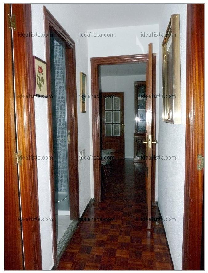 Lacar puertas pintar y acuchillar parquet y reformar ba o for Reformar puertas