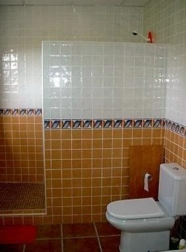 Baños Rusticos Con Ducha De Obra:Cambiar mi bañera por una ducha con muro – San Pedro Alcántara