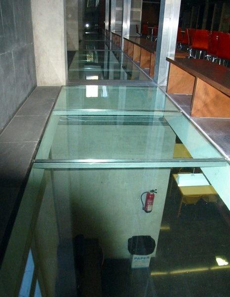 Instalar suelo transitable cristal murcia murcia - Suelos de cristal ...