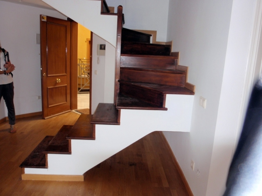 Barandilla cristal para escalera vivienda d plex - Escaleras para duplex ...