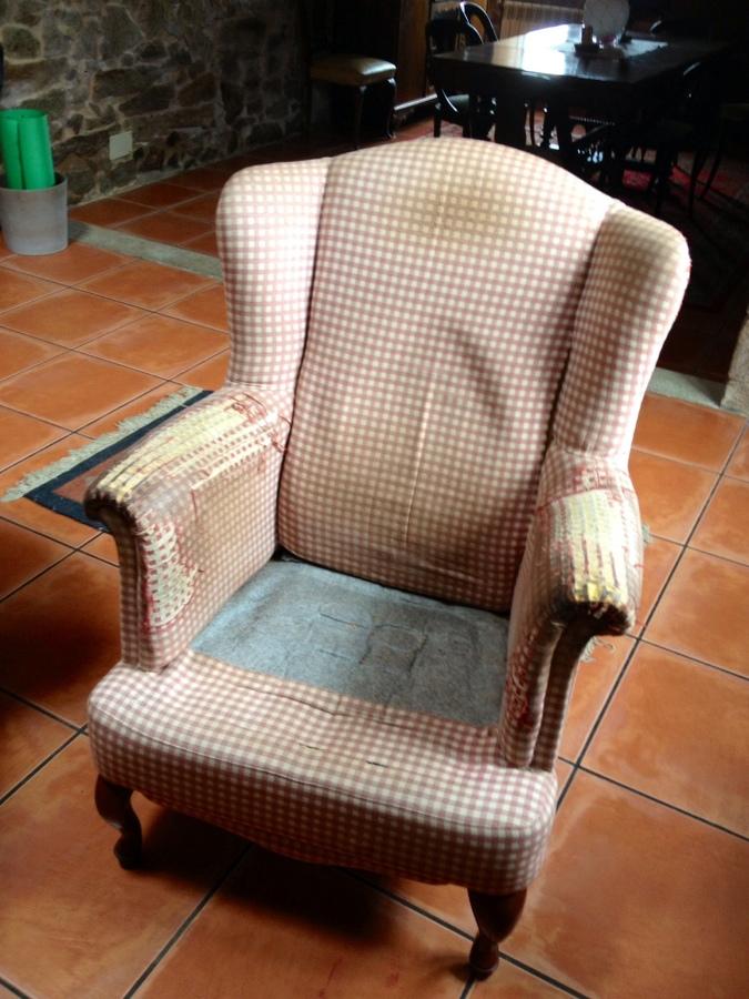 Tapizar dos sillones orejeros el ferrol a coru a for Sillones orejeros tapizados