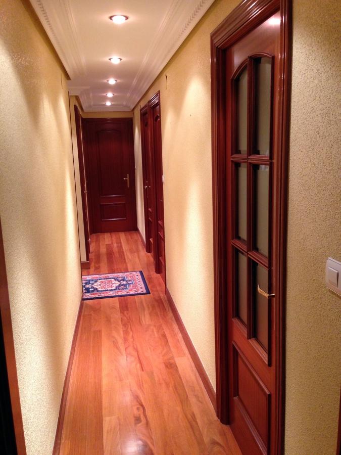 Quitar gotel del pasillo y entrada zaldibar vizcaya for Quitar gotele precio