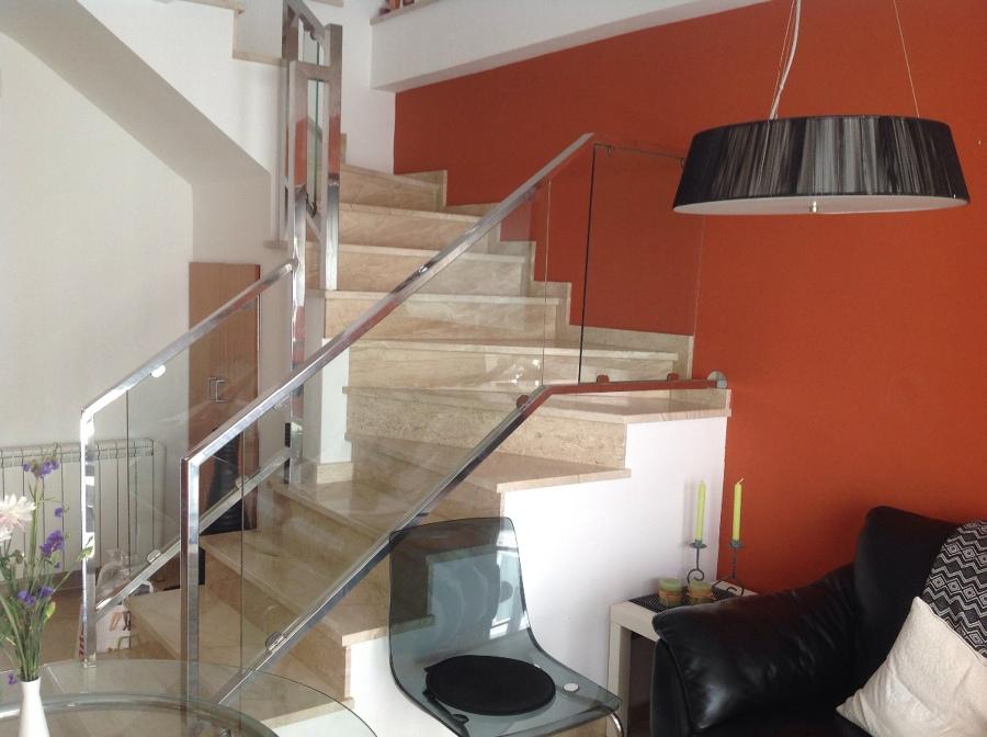 Reformar escalera duplex canet de mar barcelona for Escaleras de duplex