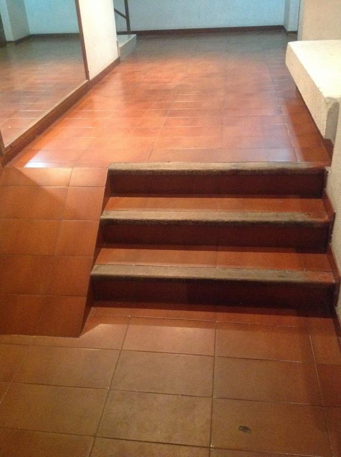Adaptar entrada de escalera instalando rampas para for Sillas para escaleras minusvalidos