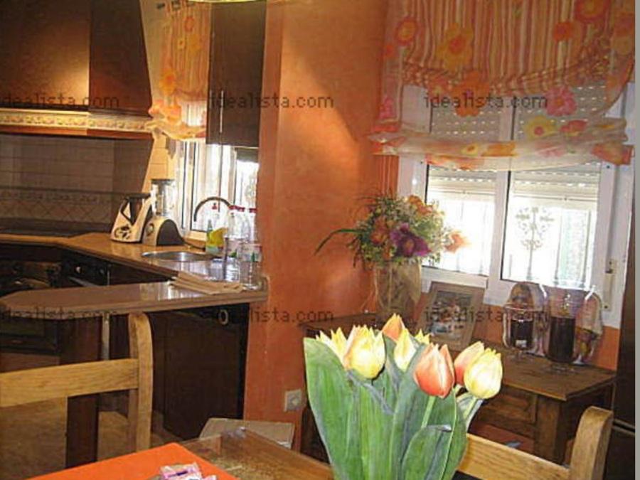Lacado muebles de cocina en blanco roto  Olivar de Quintos