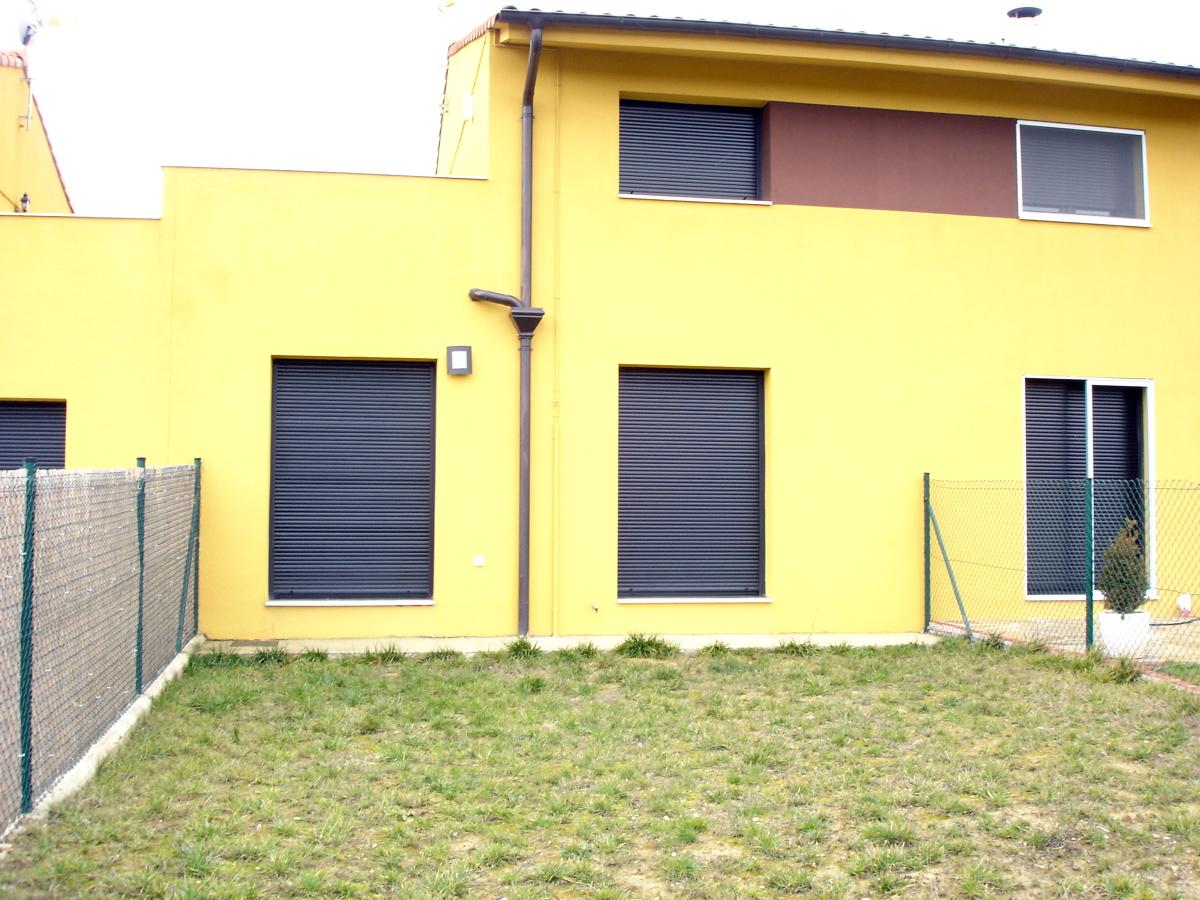 Reparacion y pintura fachada exterior trasera casa adosado - Pintura exterior fachada ...