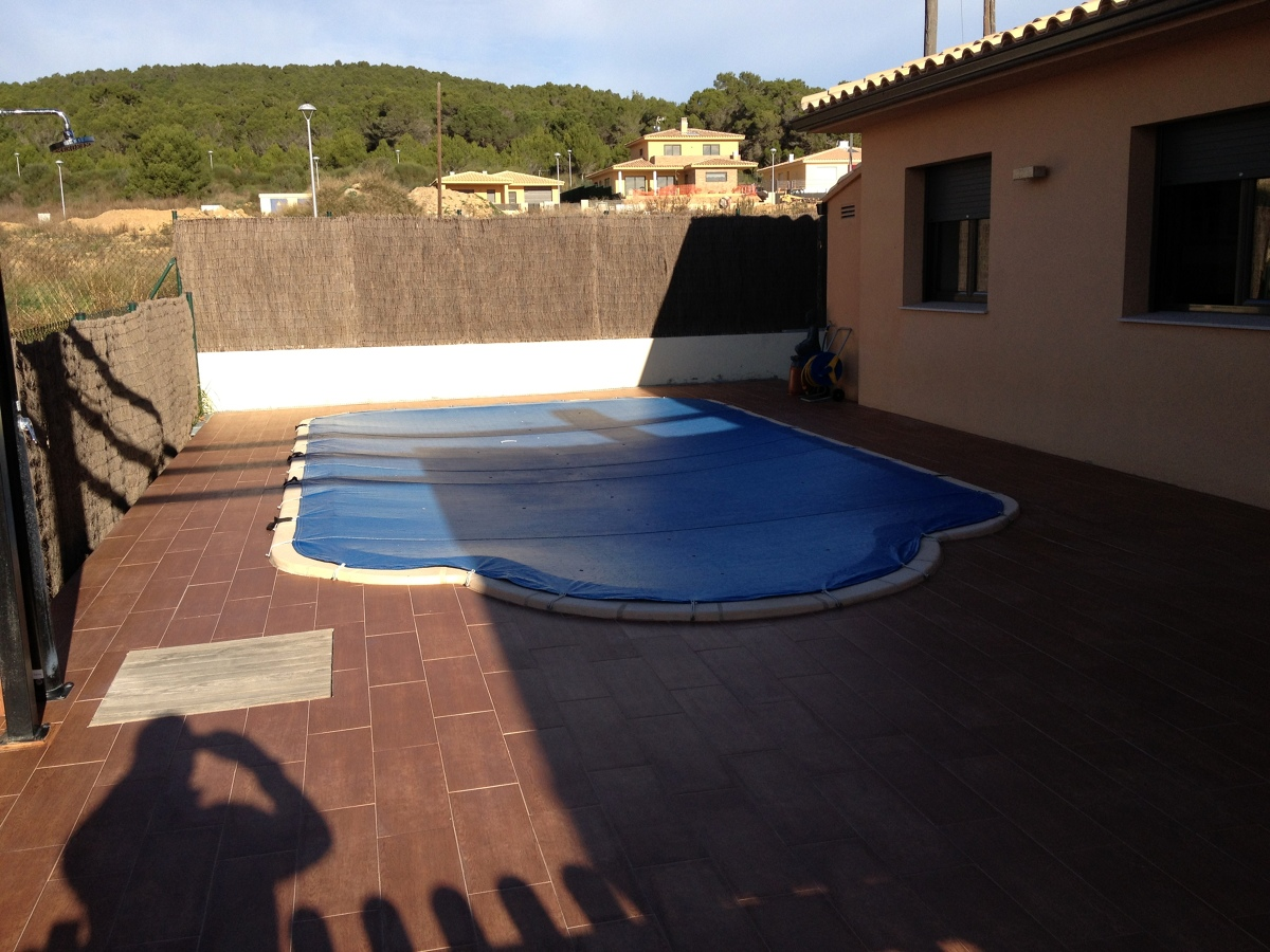 Instalar placas solares para calentar agua piscina l for Calentar agua piscina
