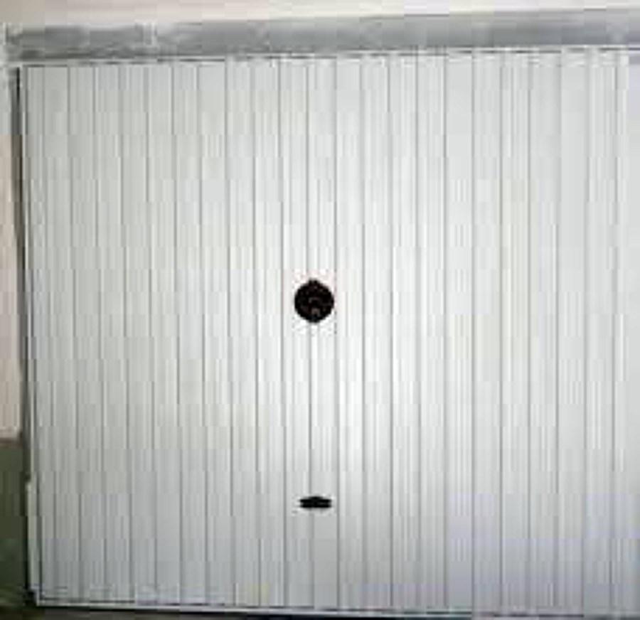 Instalar automatismo para puerta de garaje basculante - Puertas de garaje murcia ...