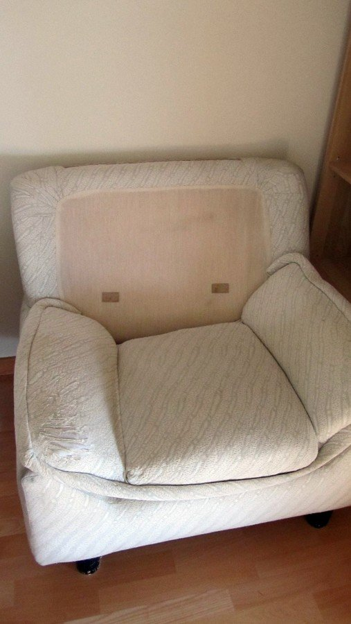 Tapizar parte de un sof y un canap de polipiel san - Tapizar sillon precio ...