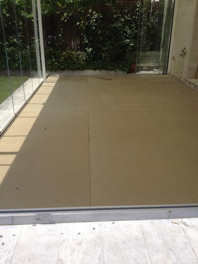 Suministrar e instalar suelo de parquet o tarima para - Suelo para exteriores ...