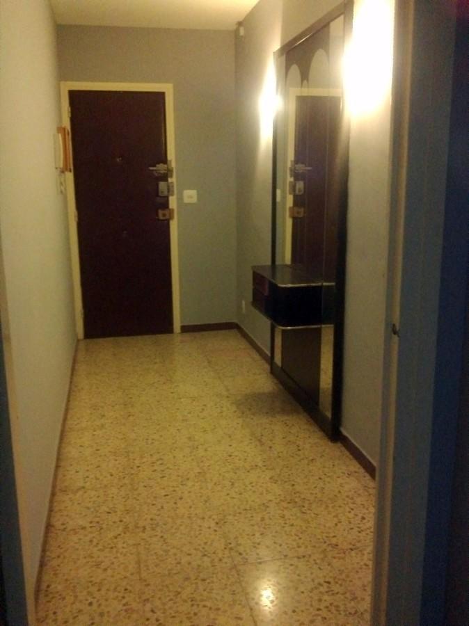 Pulir suelo de terrazo 90 m2 santa coloma de gramanet for Precio baldosa terrazo