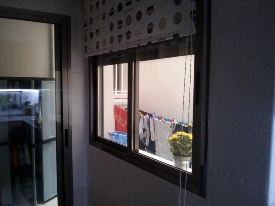 Instalaci n de seguridad en patio interior puertas - Instalacion puerta corredera ...