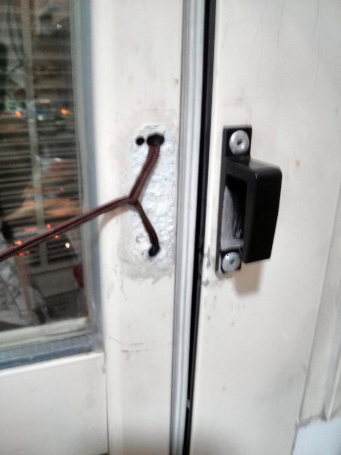 Reparaci n manilla puerta de acceso a terraza alcorc n madrid habitissimo - Puerta terraza ...