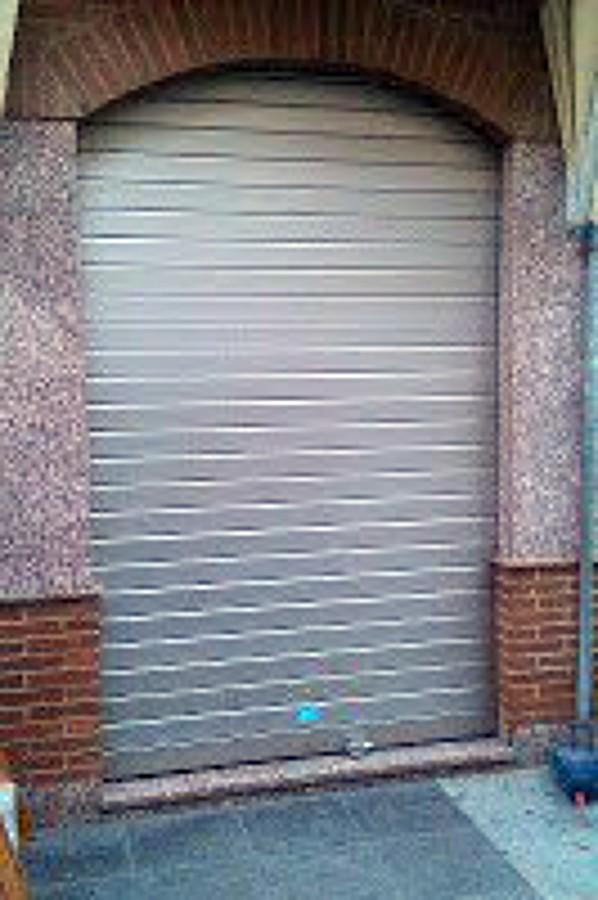 Persiana para exterior similando el acero inoxidable for Persiana metalica enrollable precio